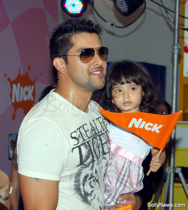 Aftab Shivdasani With Kids