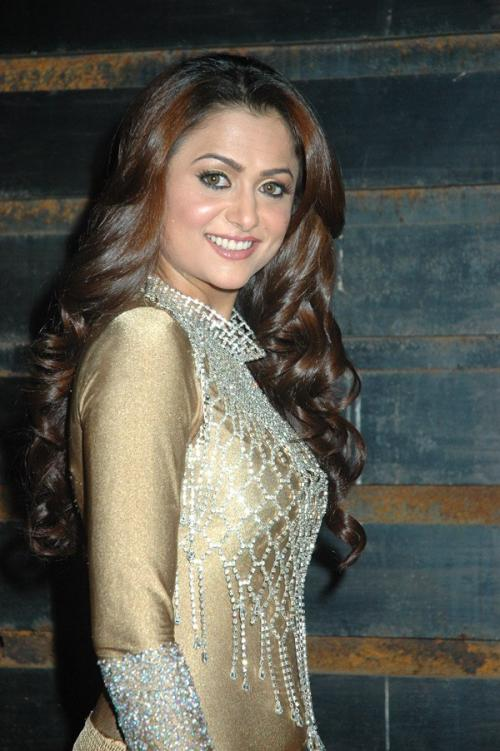 amrita-arora-country-club