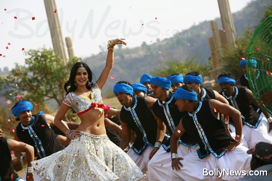 Katrina Kaif Belly Dance