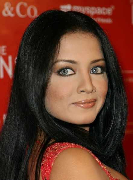 Celina Jaitly - Photo Set